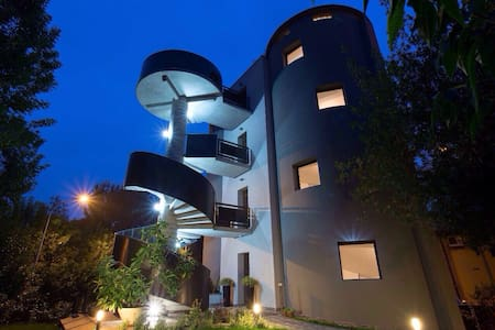 B&B Ai Silos - l'unico B&B rotondo - Leno - Bed & Breakfast