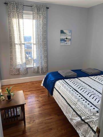 Bedroom #1 - Queen