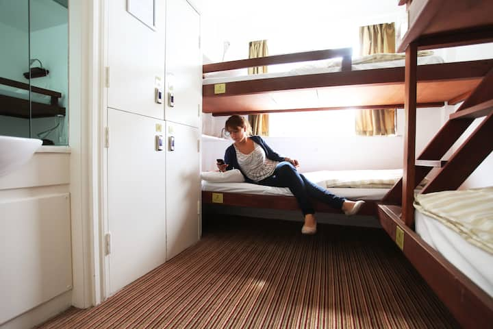 Bed in a 4 Person Shared Dormitory with Ensuite