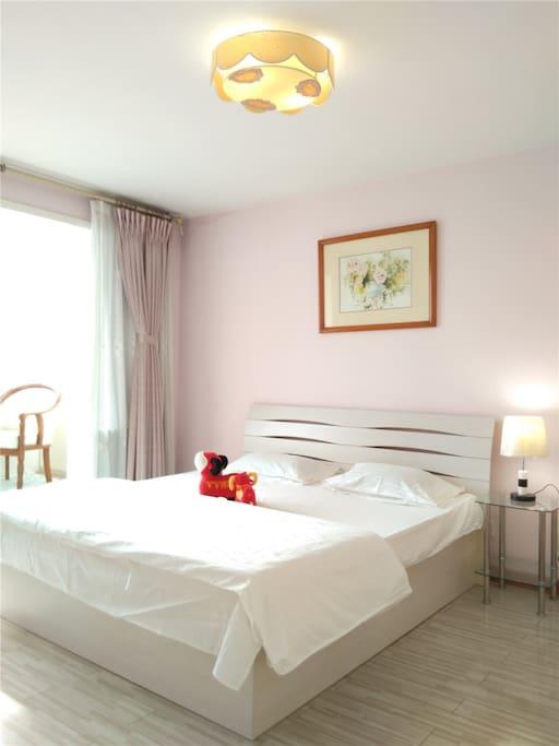主卧室正面竖版 纯棉定做白色床品