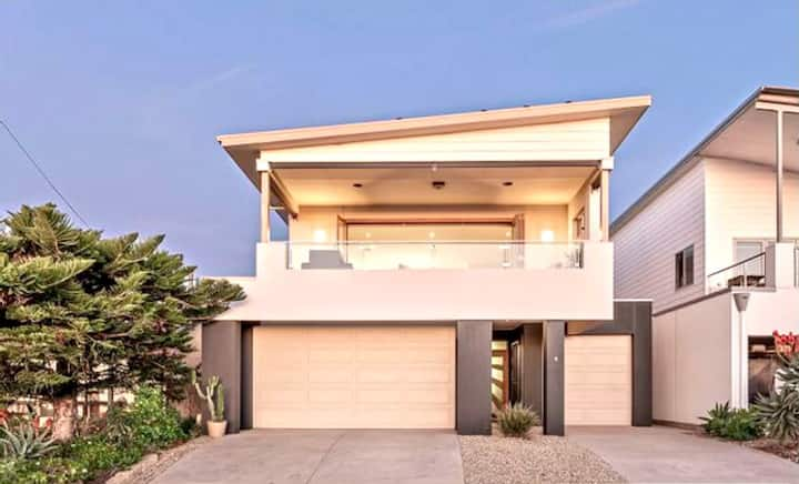 ☀️Alkira Beach House☀️ Pt Noarlunga, Sleeps 8, WiFi