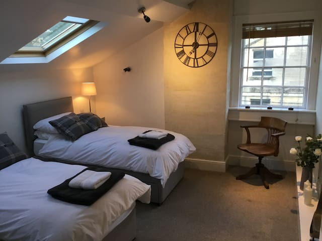 Stylish private rooms in fabulous Bradford on Avon