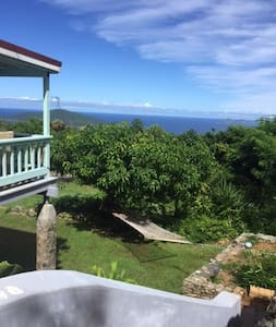 Private Garden Retreat near Magens Beach - Northside - Huis