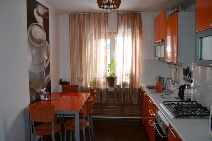 Дом  с 2 спальнями около озера Ая