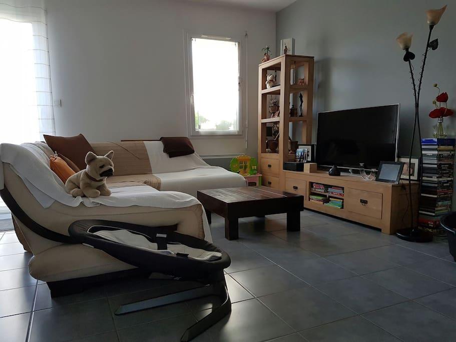 petite suite parentale dans maison avec jardin maisons louer pessac aquitaine limousin. Black Bedroom Furniture Sets. Home Design Ideas