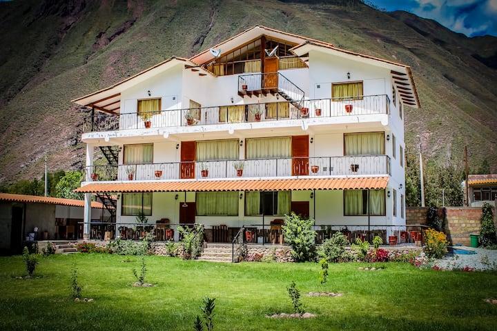 Huaylla Lodge