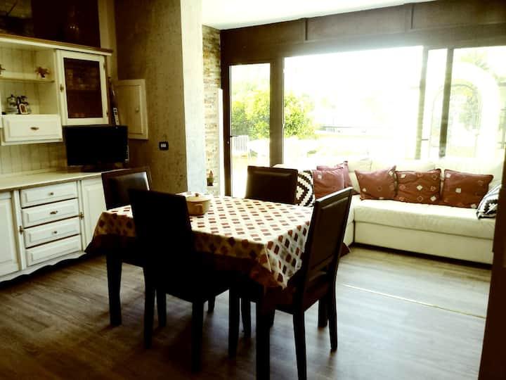 Villa de 2 habitaciones en Marina di Sibari, con jardín cerrado - a 800 m de la playa