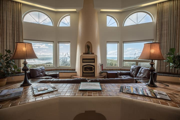 Best Beach Front House in Bandon, Ocean view Spa