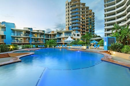 2 Bedroom beachside apartment - Caloundra - Daire