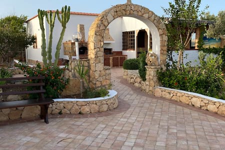 Villetta con giardino a lampedusa