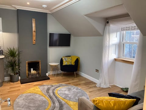 Recently renovated, peaceful west end attic flat.