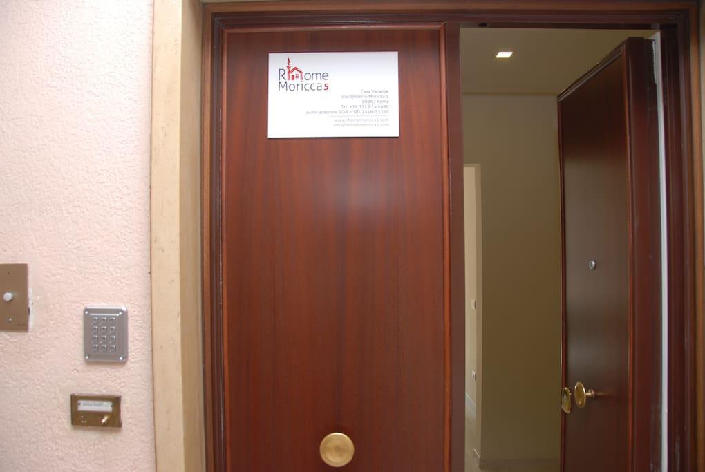 Porta d'ingresso - apartment's door
