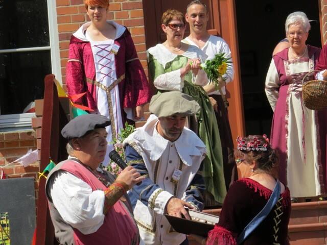 Alter Adel trifft sich zum Burgfest