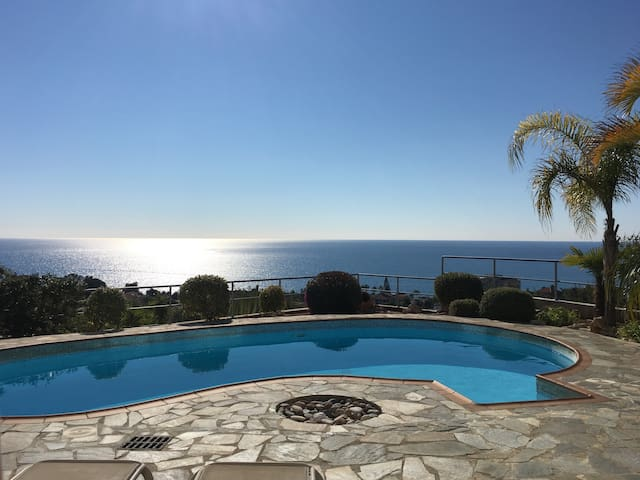 Hilltop View Villa Stunning Sea views FREE Wi-Fi - Pissouri - Villa