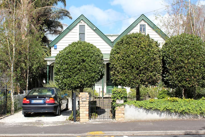 Charming Historic Cottage  - Auckland - Huis