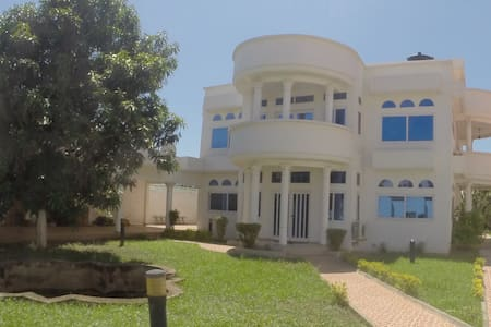 White house in Ghana - Accra