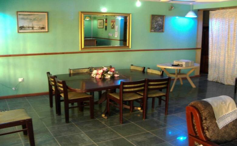 Sampson's Guesthouse - the best Hospitality people - Kwashieman - Rumah Tamu