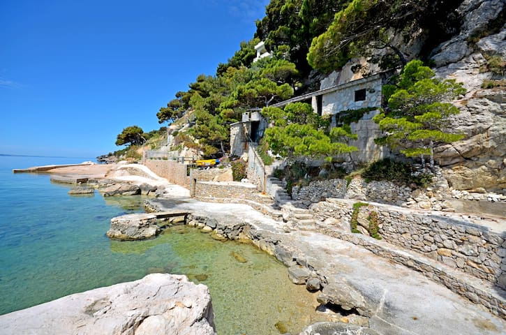 Apart GRGUR private access to beach
