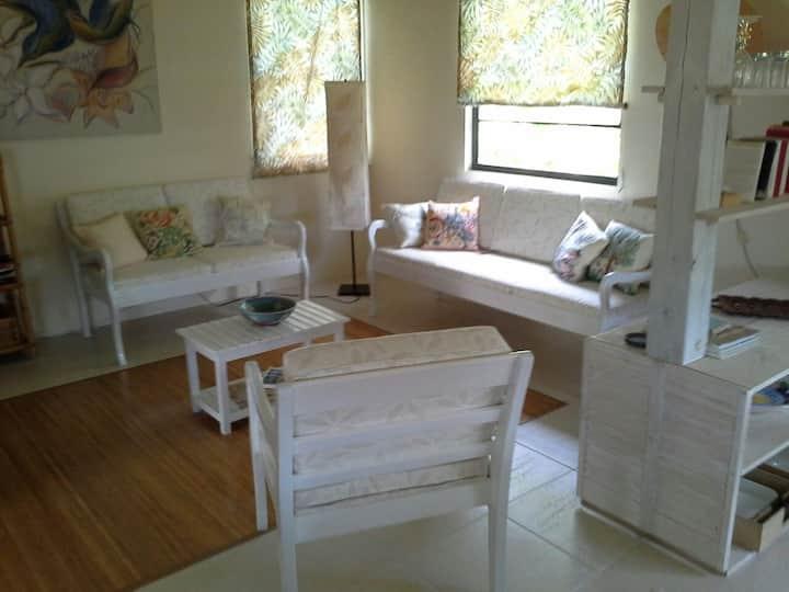 Tropical Dream Cottage  -  2 Bedroom/garden