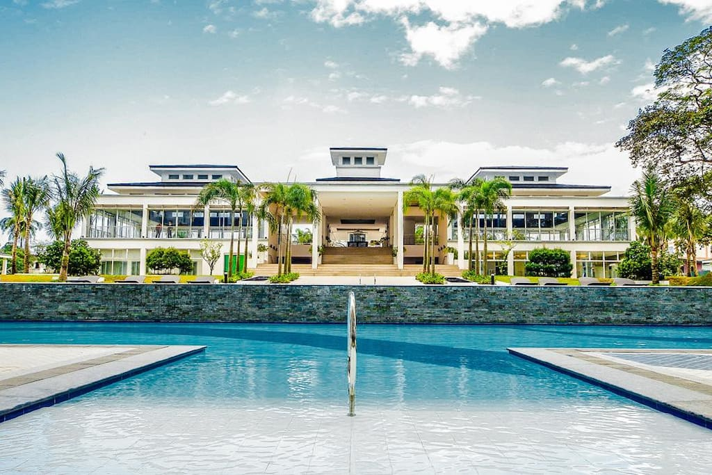 resort like ammenities with 6 pools, including an olympic size swimming pool and 2 kiddie pools