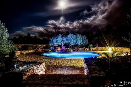 Cottage Oxa Dreamland