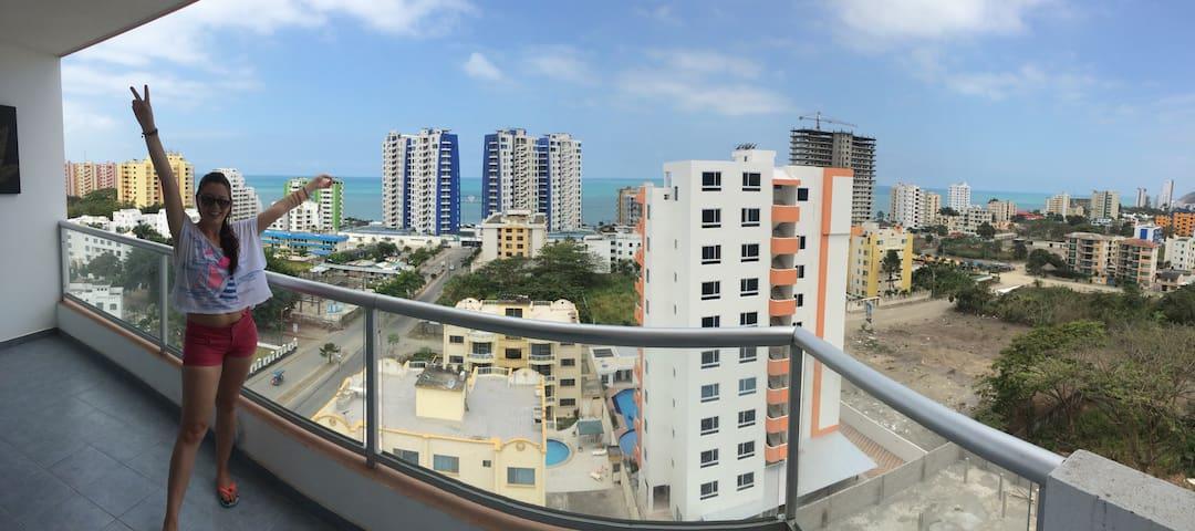 Departamento en piso 11 con terraza - Tonsupa - Flat