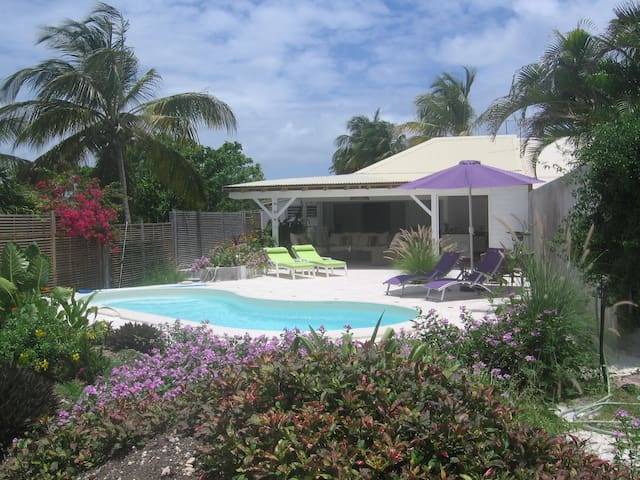 villa in the garden - Saint françois - Rumah