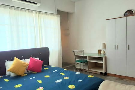 Cosy  bedroom at Ampang, 7 mins drive to klcc