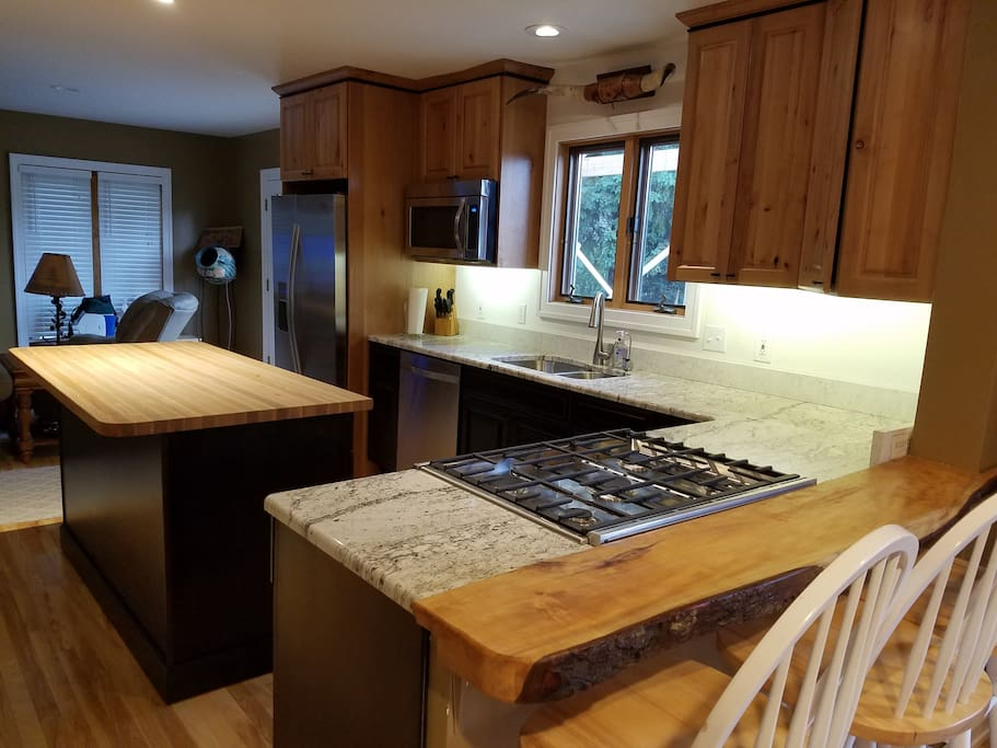 NEW updated kitchen in Fall 2016