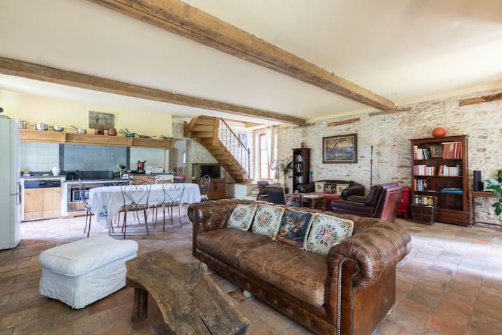 Dreamy Holiday Home in Raizeux with Terrace