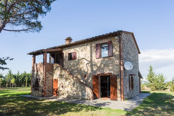 A corner of peace in Umbria    2 - Castiglione del Lago - Byt