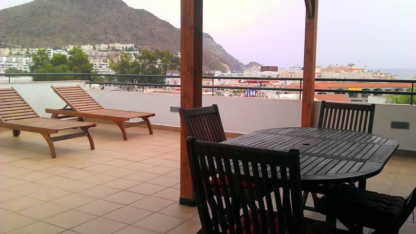 Penthouse avec grande terrasse - San José - Wohnung