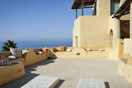 Casa Panoramica a Filicudi Portella
