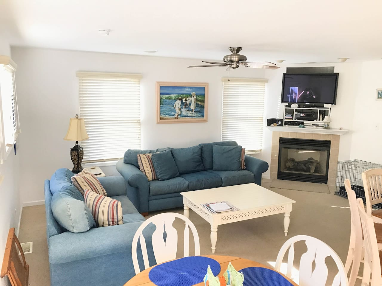 Spacious Living Room with TV and Fireplace (even equipped with a Sofa Bed to accommodate more guests, if need be!)
