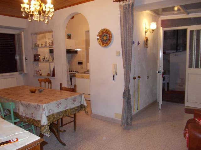 costa ionica : casetta+giardino! - Roccella Ionica - Casa