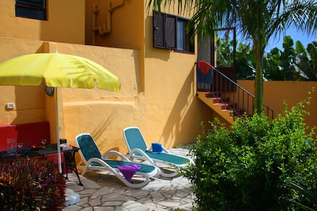 Apartment for 2 with great garden - Tazacorte