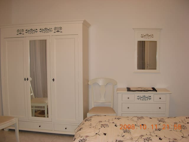 Furnished room, like an Hotel - Buchs - Casa