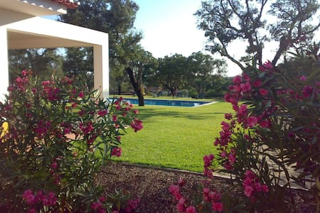FAMILY COUNTRY VILLA (BIRDWATCHING, GOLF & NATURE) - Santo Estevão