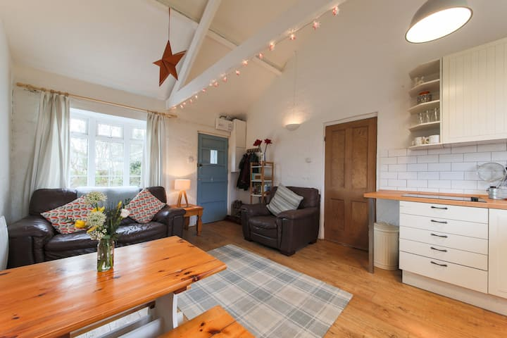 Quirky Cornwall holiday cottage