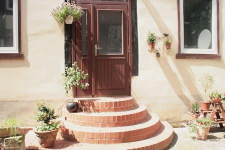 68 qmm Hochparterre Fachwerkwohnung - Halberstadt - Lejlighed