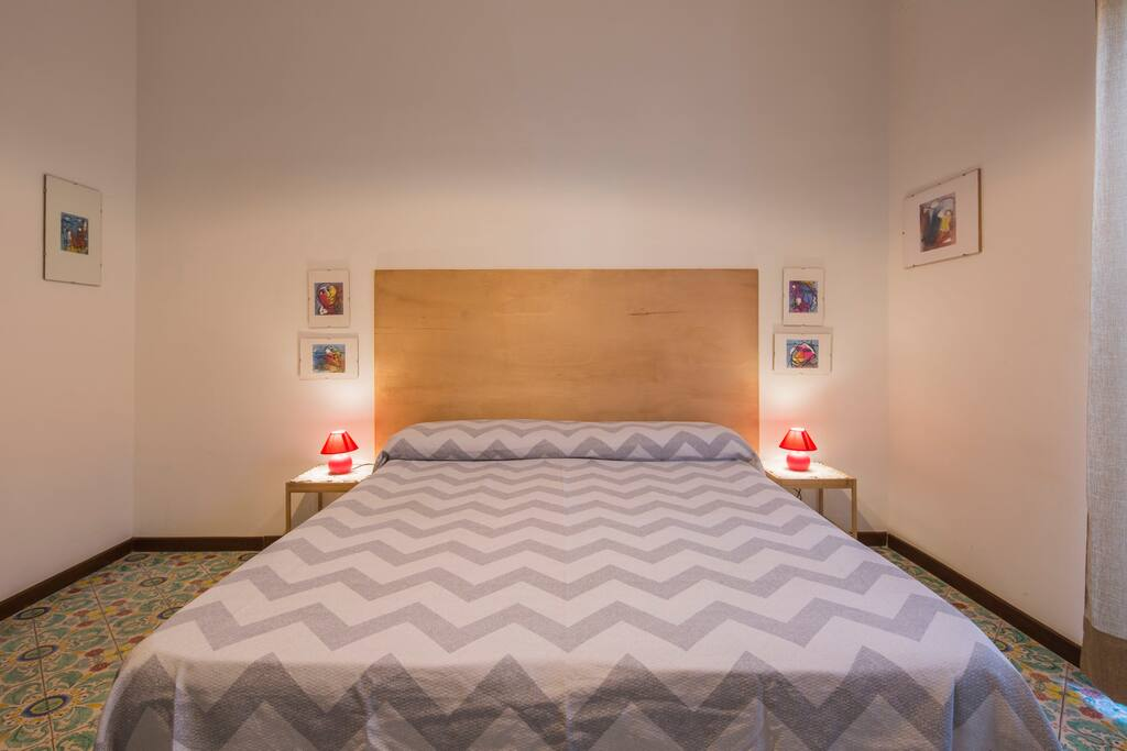 bedroom - double bed - large