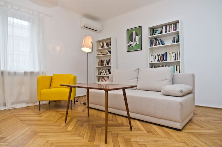 Charming flat in the very centre! - Warsaw - Flat