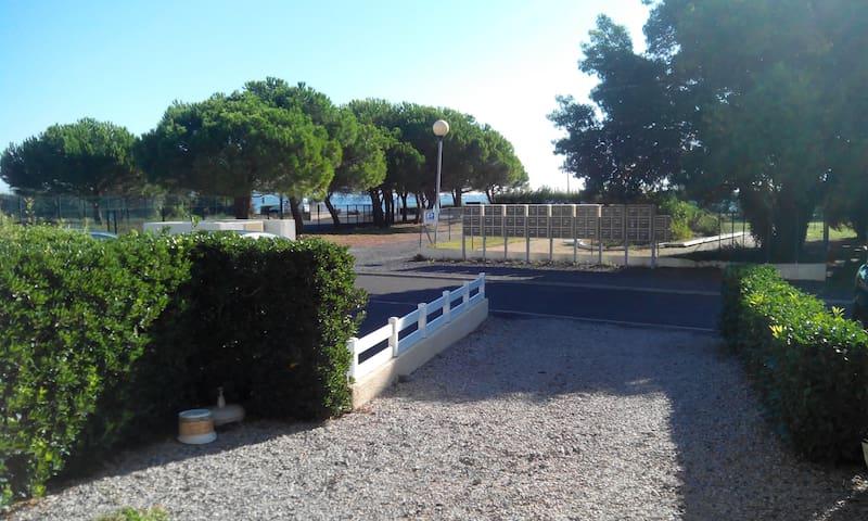 AU CALME ENTRE VILLE ET PLAGE - Marseillan - Lägenhet