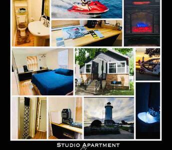 Cozy King Studio-Memory foam bed  close to Main st