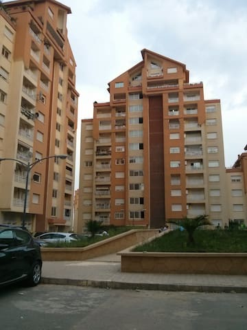 nice flat T3 neighborhood Al Achour - El Achour - Daire