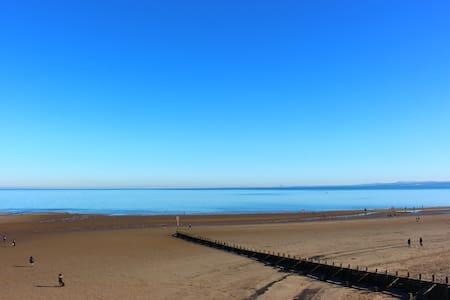 Modern BeachFront Apartment