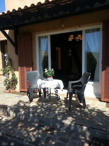 Studio avec jardin et parking privé - Bormes-les-Mimosas - Otros