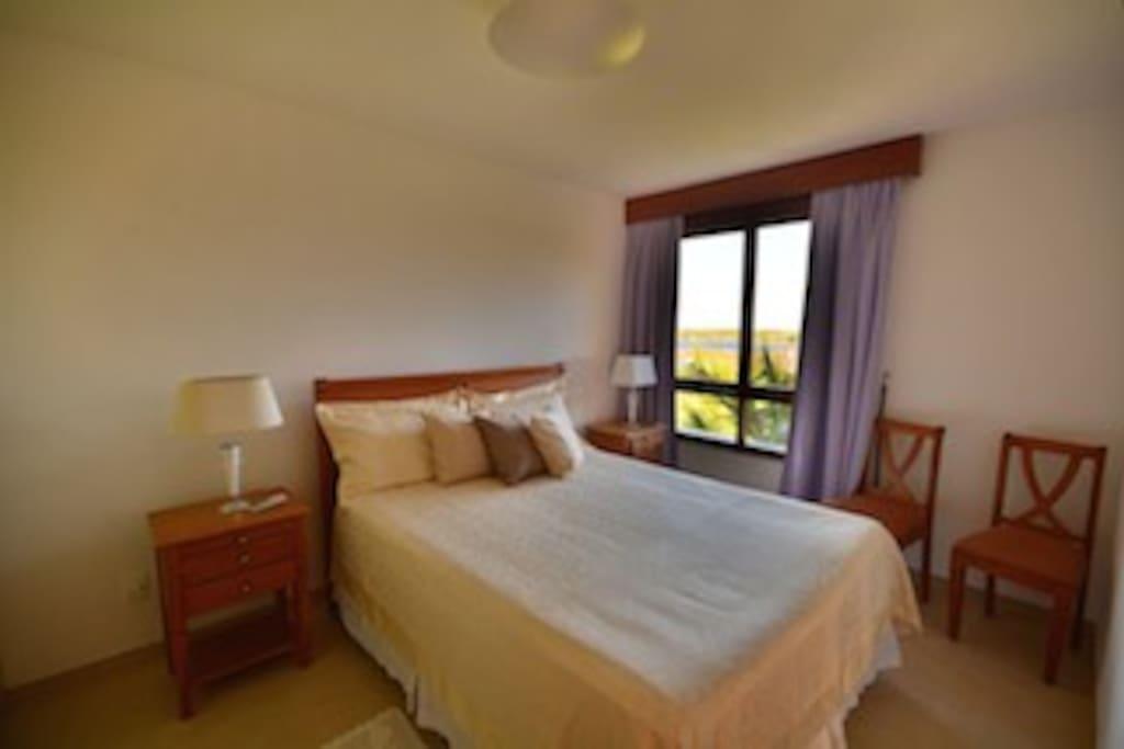 Second en-suite  luxury comfort king size bed, sunrise view, air cond.TV, closet