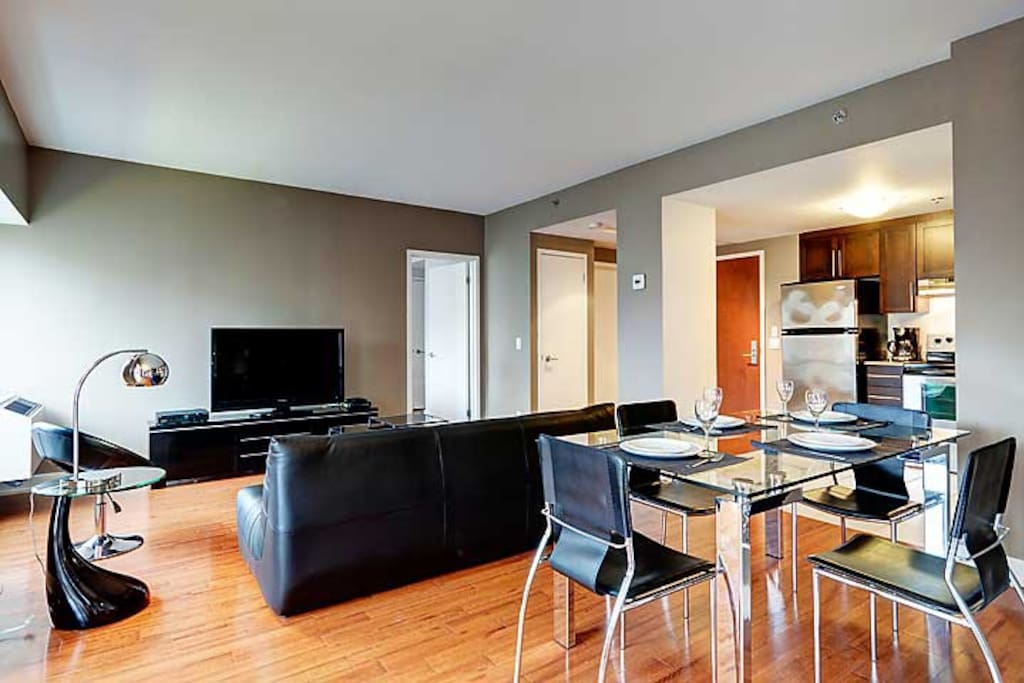 Executive 1 Bedroom In World Trade Center Apartments For Rent In Montreal Quebec Canada