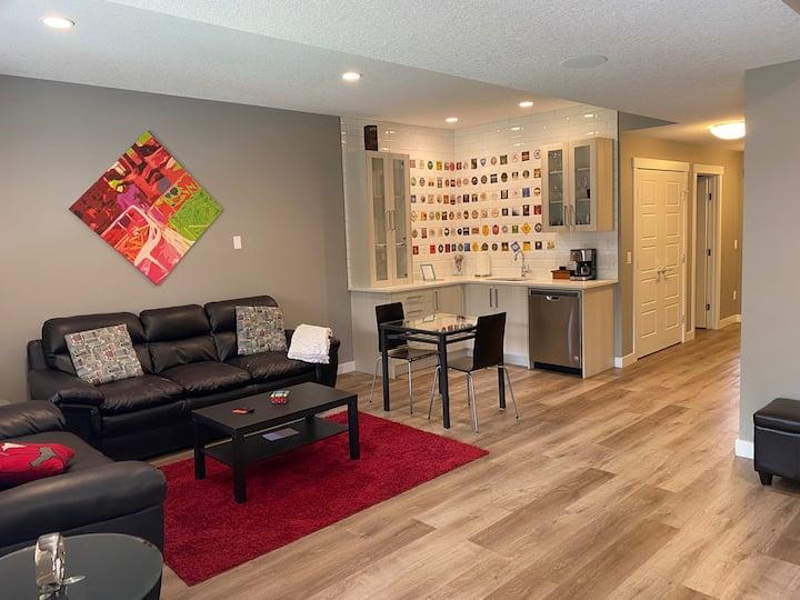 Cozy Walkout Guest Suite